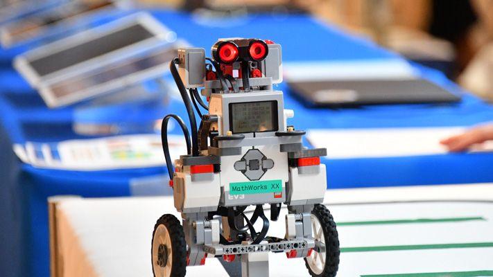 デモステーション ロボット