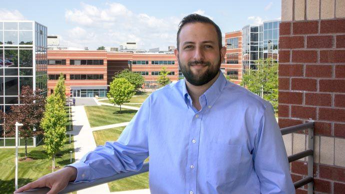 Lee, Inside Sales Representative
