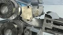 エンジニアは、コントローラーの設計とモデル化、リアルタイム シミュレーションの実行、量産システムへの実装を行います。