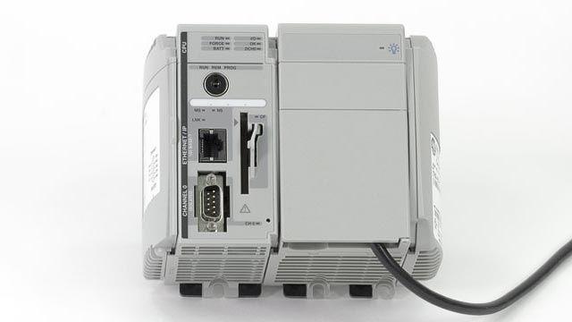 PLC (プログラマブルロジックコントローラー)