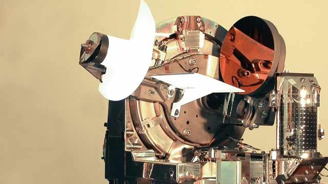 Astrium が世界初となる航空機と通信衛星の間の双方向レーザー光学リンクを作成。