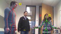 Microsoft Kinect For Windows から画像と骨格データを MATLAB に取り込みます。Kinect は RGB カメラ、3 次元深度センサー、4 チャンネル マイクを搭載した自然な対話デバイスです。