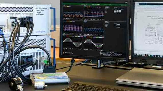 ラピッド プロトタイピングとハードウェアインザループ シミュレーション用の Speedgoat ハードウェア。