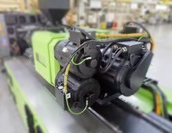 ENGEL 射出装置。MATLAB と Simulink により、射出成形機コントローラーの開発が迅速化されました。