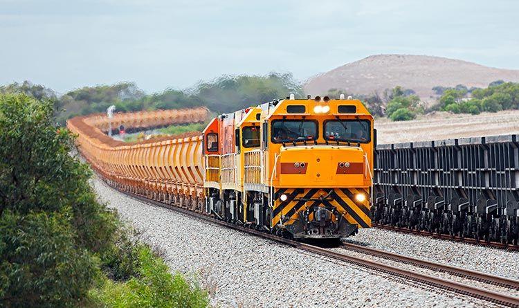 鉄鉱石輸送列車